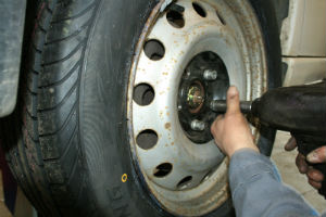 Alastair Reid Garages Tyre Replacement
